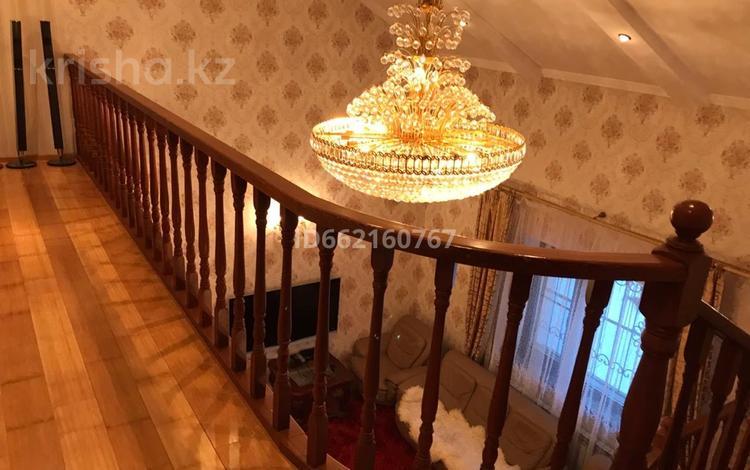 6-комнатный дом помесячно, 250 м², 9 сот., мкр Хан Тенгри, Мкр Хан Тенгри 102 за 600 000 〒 в Алматы, Бостандыкский р-н