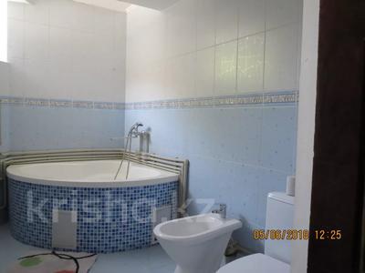 3-комнатная квартира, 75 м², 2/4 этаж посуточно, Туркестанская 2/4А — Байтурсынова за 12 000 〒 в Шымкенте, Аль-Фарабийский р-н — фото 12