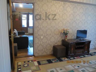 3-комнатная квартира, 75 м², 2/4 этаж посуточно, Туркестанская 2/4А — Байтурсынова за 12 000 〒 в Шымкенте, Аль-Фарабийский р-н — фото 6
