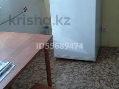 1-комнатная квартира, 40 м², 6/9 этаж помесячно, 4мкр — 4мкр за 90 000 〒 в Аксае — фото 6