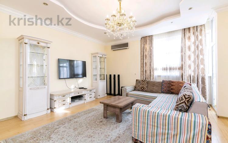 4-комнатная квартира, 135 м², 25/25 этаж посуточно, Каблукова 264 за 30 000 〒 в Алматы