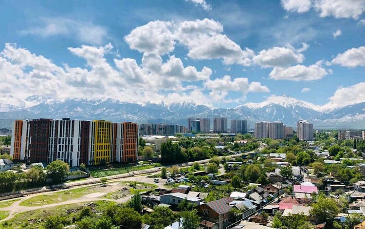 3-комнатная квартира, 80 м², 10/14 этаж помесячно, Навои 72 за 200 000 〒 в Алматы, Бостандыкский р-н