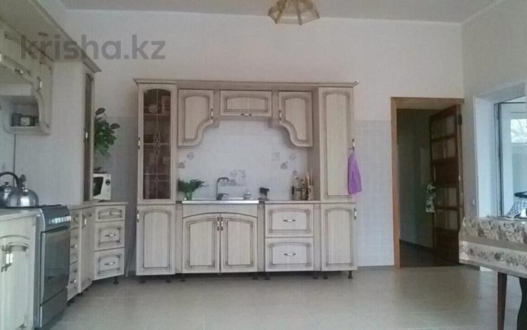 11-комнатный дом, 390 м², 20 сот., Калинина за 50 млн 〒 в Таразе