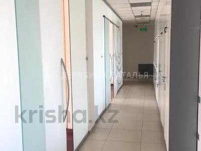Офис площадью 650 м², проспект Аль-Фараби — Желтоксан за 3 млн 〒 в Алматы, Бостандыкский р-н — фото 17