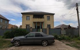 6-комнатный дом, 380 м², 9 сот., мкр Кунгей за 47 млн 〒 в Караганде, Казыбек би р-н