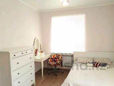 4-комнатный дом, 88 м², 4 сот., Писарева 54 за 16.9 млн 〒 в Караганде, Казыбек би р-н