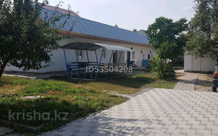 5-комнатный дом, 80 м², 13.5 сот., мкр Акжар 38 — Абдильдина за 40 млн 〒 в Алматы, Наурызбайский р-н