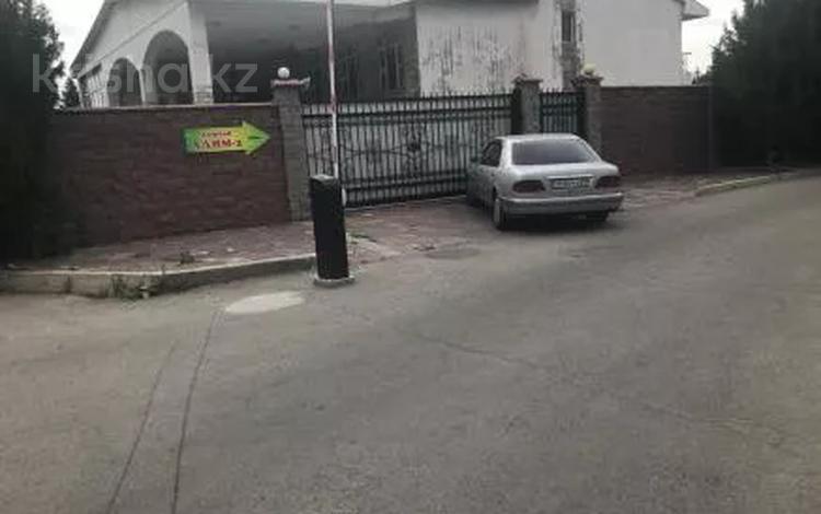 8-комнатный дом, 564.9 м², 21.73 сот., Ауэзовский р-н, мкр Баянаул за ~ 71.9 млн 〒 в Алматы, Ауэзовский р-н