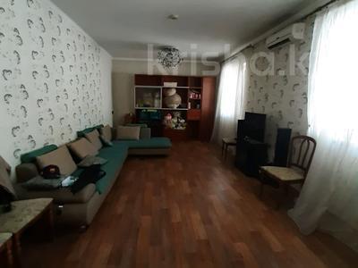 6-комнатный дом, 200 м², 6.36 сот., Сеченова — Гагарина за 65 млн 〒 в Алматы, Бостандыкский р-н