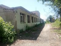 Здание, площадью 1041.3 м²
