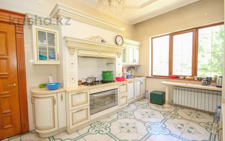 9-комнатный дом, 915 м², 18 сот., Мкр Дарын — Аскарова за 235 млн 〒 в Алматы, Бостандыкский р-н