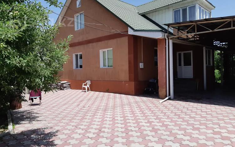 6-комнатный дом, 240 м², 6 сот., Молдагуловой 1/1 — Кичикова за 33 млн 〒 в