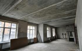 3-комнатная квартира, 90 м², 1/8 этаж, улица Момышулы — Шугаева за 26 млн 〒 в Семее