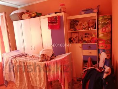 3-комнатная квартира, 70 м², 2/5 этаж помесячно, Госпиталь 30 за 80 000 〒 в Талдыкоргане — фото 2