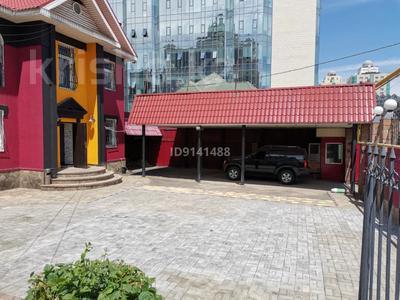 8-комнатный дом помесячно, 230 м², 10 сот., Достык — Аль-Фараби за 900 000 〒 в Алматы, Медеуский р-н — фото 2