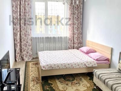 1-комнатная квартира, 40 м², 6/14 этаж посуточно, мкр Акбулак, Рыскулова 53 за 7 000 〒 в Алматы, Алатауский р-н
