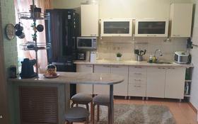 3-комнатная квартира, 65 м², 10/10 этаж, Майры 15 за 19 млн 〒 в Павлодаре
