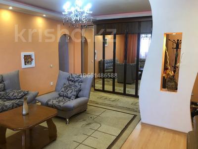 3-комнатная квартира, 78 м², 7/9 этаж посуточно, мкр Самал-2, Мкр Самал-2 — Аль-Фараби за 15 000 〒 в Алматы, Медеуский р-н — фото 4
