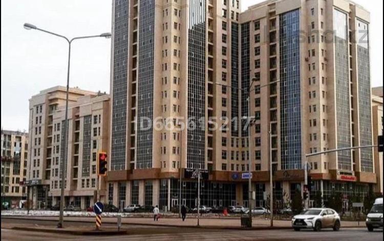 1-комнатная квартира, 48 м², 8/18 этаж посуточно, Мәңгілік Ел 50 за 10 000 〒 в Нур-Султане (Астане), Есильский р-н