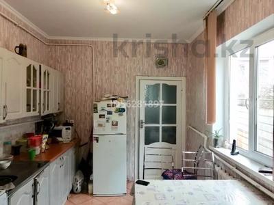 4-комнатный дом помесячно, 100 м², Айтей батыр 12 А — Саламатова за 150 000 〒 в Каскелене — фото 8