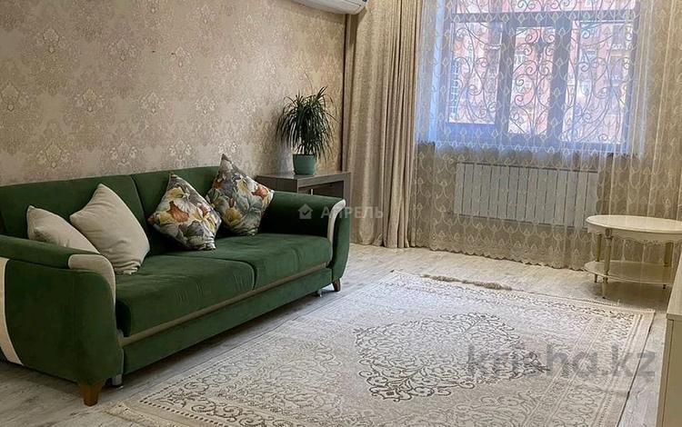 3-комнатная квартира, 90 м², 1/14 этаж помесячно, 17-й мкр 7 за 350 000 〒 в Актау, 17-й мкр