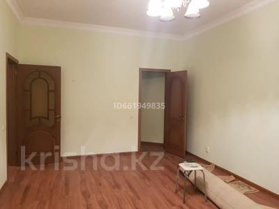 2-комнатная квартира, 77 м², 9/10 этаж помесячно, Момышулы 2в за 160 000 〒 в Нур-Султане (Астана), Алматы р-н — фото 11