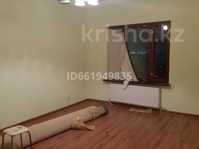 2-комнатная квартира, 77 м², 9/10 этаж помесячно, Момышулы 2в за 160 000 〒 в Нур-Султане (Астана), Алматы р-н — фото 13