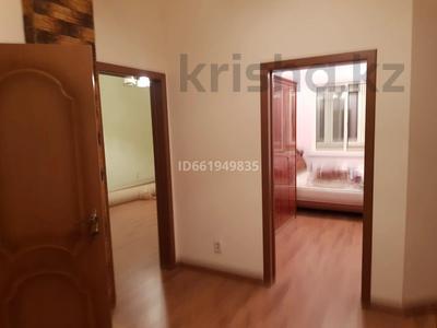 2-комнатная квартира, 77 м², 9/10 этаж помесячно, Момышулы 2в за 160 000 〒 в Нур-Султане (Астана), Алматы р-н — фото 6