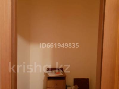 2-комнатная квартира, 77 м², 9/10 этаж помесячно, Момышулы 2в за 160 000 〒 в Нур-Султане (Астана), Алматы р-н — фото 7