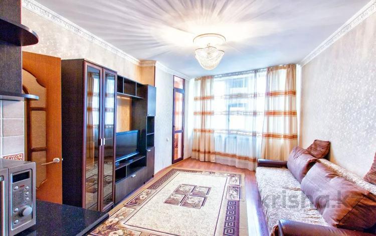 1-комнатная квартира, 45 м² посуточно, Момышулы 11 — Тауелсыздык за 6 000 〒 в Нур-Султане (Астана), Алматы р-н