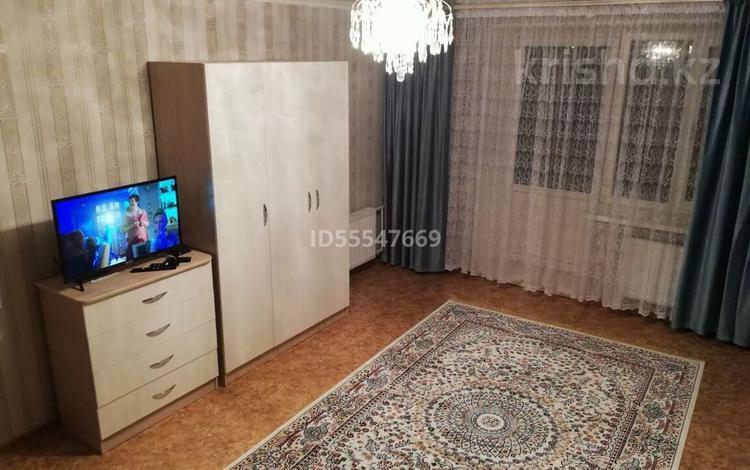 1-комнатная квартира, 43 м² по часам, Амангельды 50 — Лесная за 1 000 〒 в Павлодаре