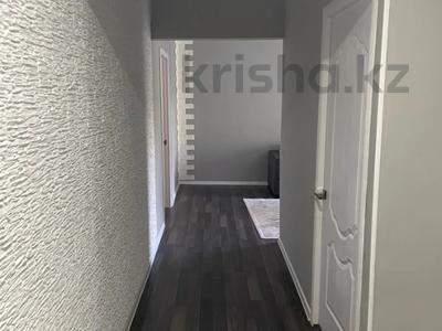 3-комнатная квартира, 59 м², 3/5 этаж, мкр Казахфильм, Исиналиева — Аль-Фараби за 31.5 млн 〒 в Алматы, Бостандыкский р-н