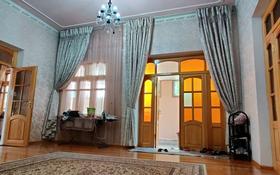 8-комнатный дом, 400 м², 7 сот., улица Желтоксан за 60 млн 〒 в Таразе