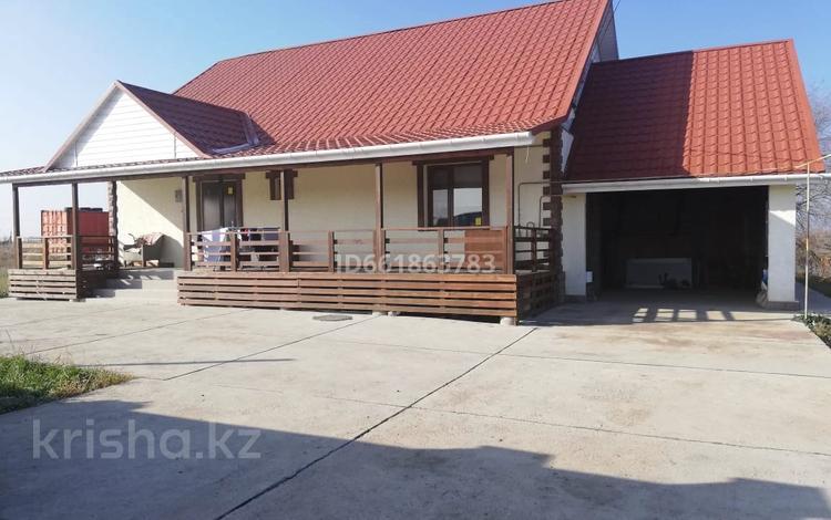 5-комнатный дом, 140 м², 8 сот., Мкр. Жайнак за 22.5 млн 〒 в Боралдае (Бурундай)