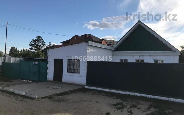 3-комнатный дом, 120 м², 10 сот., Мухтара Ауэзова 100 — Бокенбай Батыра за 25 млн 〒 в Актобе