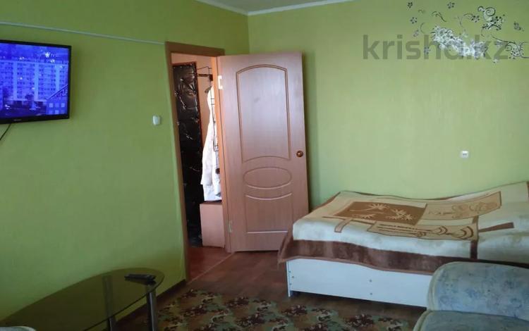 1-комнатная квартира, 36 м², 4/6 этаж посуточно, Микрорайон Горка Дружбы 6 за 4 500 〒 в Темиртау