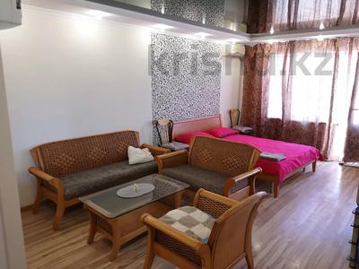 1-комнатная квартира, 40 м² посуточно, 5-й микрорайон 1 — Юбилейная за 7 000 〒 в Актау — фото 2