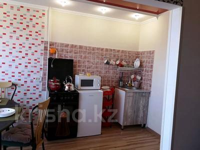 1-комнатная квартира, 40 м² посуточно, 5-й микрорайон 1 — Юбилейная за 7 000 〒 в Актау — фото 4