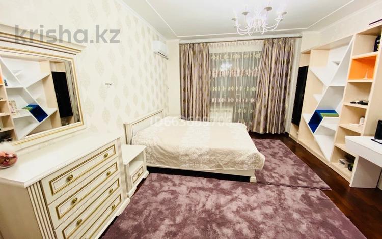 4-комнатная квартира, 130 м², 8/9 этаж, Розыбакиева 281 — Аль-фараби за 62 млн 〒 в Алматы, Бостандыкский р-н