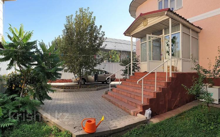 6-комнатный дом помесячно, 420 м², 6.5 сот., мкр Дубок-2 за 500 000 〒 в Алматы, Ауэзовский р-н