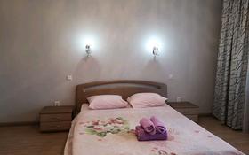 2-комнатная квартира, 80 м², 2/5 этаж посуточно, Мангилик ел 5 за 11 000 〒 в Актобе, мкр. Батыс-2