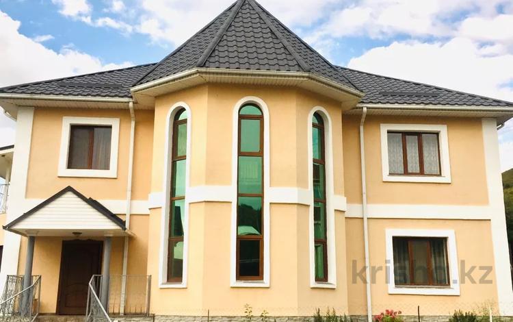 6-комнатный дом, 320 м², 10 сот., Заречная за ~ 107.3 млн 〒 в