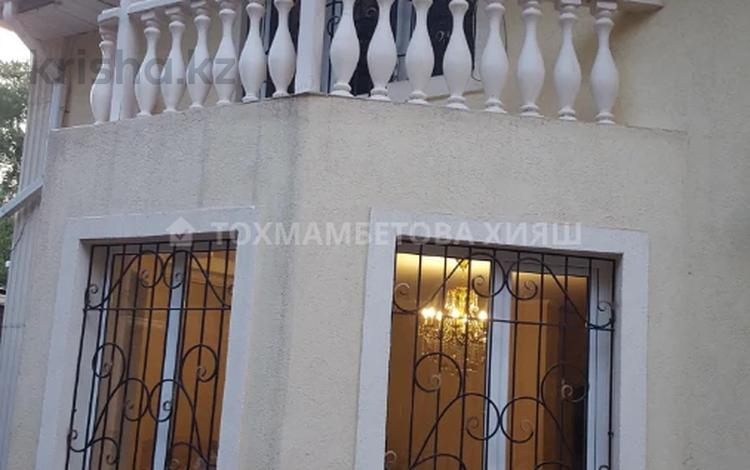 5-комнатный дом помесячно, 200 м², 3 сот., Омарова — Луганского за 500 000 〒 в Алматы, Медеуский р-н