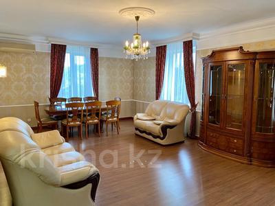 3-комнатная квартира, 139 м², 2/9 этаж помесячно, Мичурина 23 а за 350 000 〒 в Караганде, Казыбек би р-н