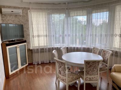 3-комнатная квартира, 139 м², 2/9 этаж помесячно, Мичурина 23 а за 350 000 〒 в Караганде, Казыбек би р-н — фото 3