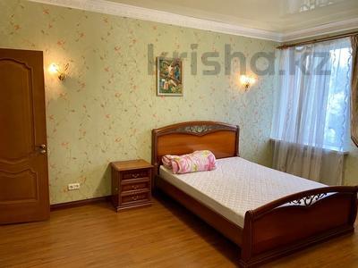3-комнатная квартира, 139 м², 2/9 этаж помесячно, Мичурина 23 а за 350 000 〒 в Караганде, Казыбек би р-н — фото 4