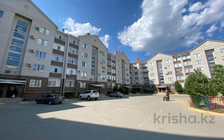 1-комнатная квартира, 42 м², 4/5 этаж, мкр. Батыс-2, Батыс 2 микрорайон 5д за 12.3 млн 〒 в Актобе, мкр. Батыс-2