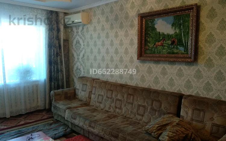 2-комнатная квартира, 43 м², 3/3 этаж, улица 8 Марта 2 за 5.2 млн 〒 в Балхаше