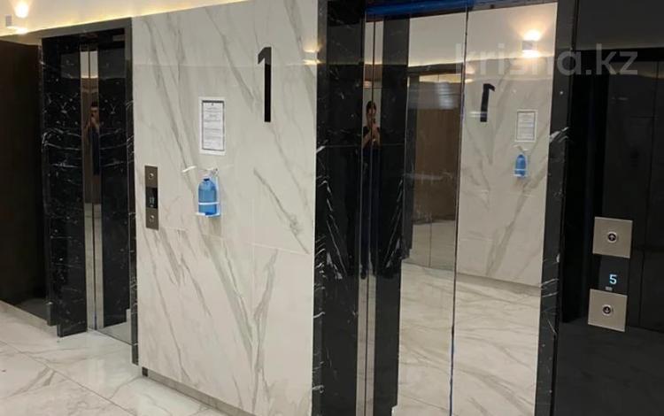 4-комнатная квартира, 140 м², 19/33 этаж, Аль-Фараби 5к3А за 81 млн 〒 в Алматы, Медеуский р-н
