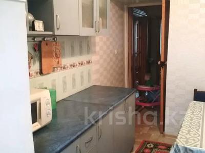 4-комнатная квартира, 75.1 м², 1/5 этаж, Химпоселок Аппасова(Лесная) 30 — Толе би за 13.5 млн 〒 в Таразе — фото 4